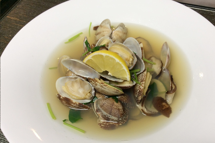 Sake-steamed Asari Clams